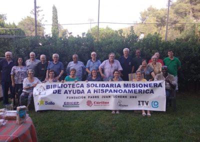 reunion_grupo_voluntarios_bliblioteca_solidaria_en chilet