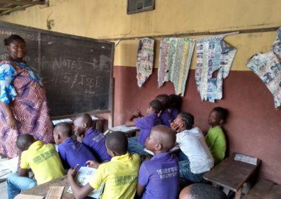 6 Dr. VISITS LILLY SCHL CHILDREN baja